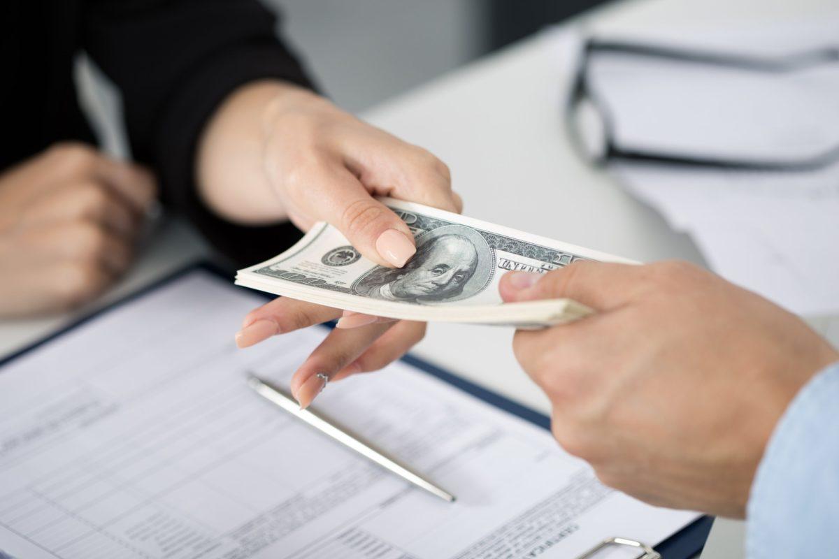 Где взять деньги без официального трудоустройства?